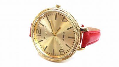 Ρολόι με πολύ λεπτό λουράκι