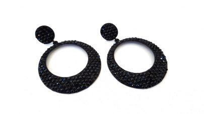 Μακριά σκουλαρίκια με μαύρα στρας