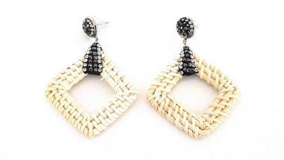 Ψάθινα σκουλαρίκια με στρας