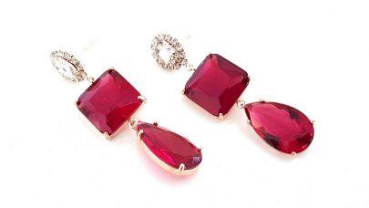 Κρεμαστά σκουλαρίκια με κόκκινες πέτρες
