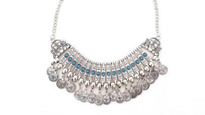 Boho κολιέ με γαλάζιες πέτρες και νομίσματα