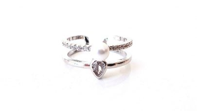 Δαχτυλίδι με πέρλα και στρας