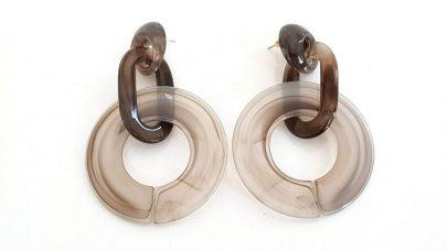 Πλαστικά σκουλαρίκια με χρώμα