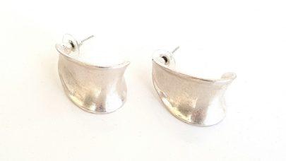 Μεταλλικά σκουλαρίκια