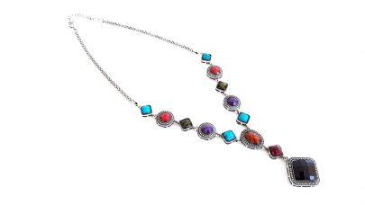 Boho κολιέ με πολύχρωμες πέτρες