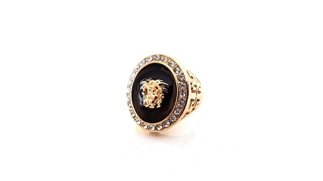 Δαχτυλίδι με μαύρη επισμάλτωση