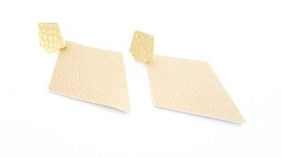 Σκουλαρίκια με δερμάτινους ρόμβους