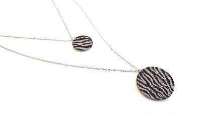 Σετ ατσάλινων κολιέ με zebra print