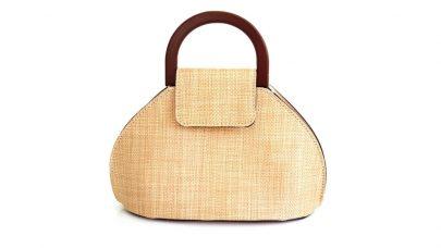 Ψάθινη τσάντα με ξύλινο χερούλι