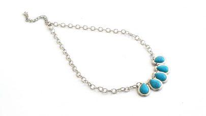 Boho κολιέ με γαλάζιες πέτρες χαολίτη