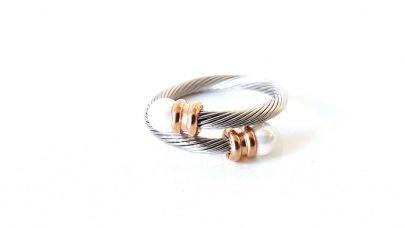 Δαχτυλίδι στριφτό με πέρλες