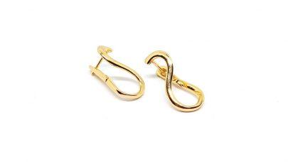 Κοντά σκουλαρίκια