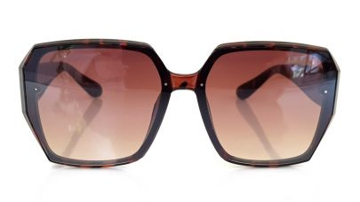 Γυαλιά ηλίου με πολυγωνικούς φακούς