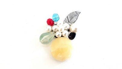 Καρφίτσα με χάντρες και πέρλες